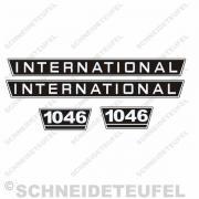 International Motorhaubenaufkleber Set mit der Typenbezeichnung Ihrer Wahl
